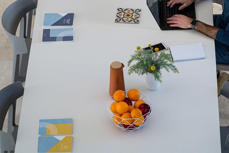 En CIPAC podemos ayudarte en la gestión de espacios eficientes y saludables gracias a una plataforma inteligente que aporta a las empresas el conocimiento necesario para mejorar sus entornos de trabajo.