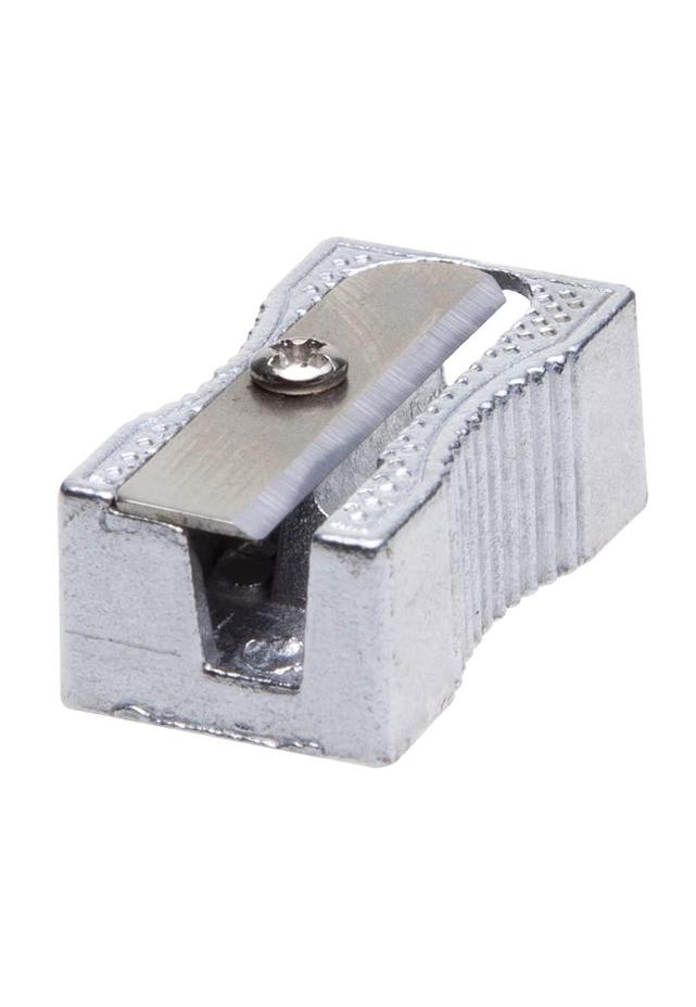 Sacapuntas Metálico Barrilito Spt05 Sacapuntas de cuerpo metálico con acabado natural del aluminio Todos los requerimientos de Accesorios de Escritorio y Papelería que necesita tu negocio están en CIPAC
